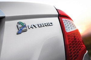 Ford-hybrid-1212-de